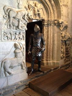 Tegulated scale armor 14th century knight Medieval Armor, Medieval Fantasy, European History, Fantasy Inspiration, 14th Century, Middle Ages, Medieval Outfits, Knight, Army List