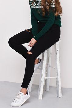 Pantaloni jeans strappati subdued neri+stan smith nere