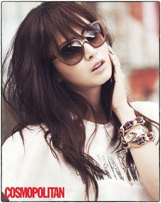 Kim Tae Hee Transforms into Funky Autumn Girl for Cosmopolitan Magazine