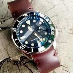 Ceramic insert + Coin edge bezel • Seiko Skx171 • Courtesy of Nattapol Chaisiri Explore modification ideas and designs at www.DLWwatches.com #seiko #seikomod #skx007 #skx009 #bezel #ceramicbezel #seikodiver #seikowatch #diverwatch #watchuseek #instawatch #dailywatch #watchporn #watchfam #watches #watchnerd #watchshot #watchpic #rolex #sub #submariner #dlwwatches #dlw