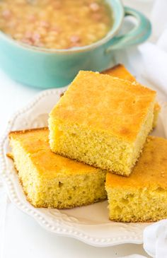 Easy Buttermilk Cornbread Recipe - This simple homemade cornbread is a winner every time! This easy buttermilk cornbread recipe is a winner every single time. It's my family's no-fail homemade corn bread that we make again and again! Easy Buttermilk Cornbread Recipe, Healthy Cornbread, Homemade Cornbread, Sweet Cornbread, Cornbread Recipes, Snack Recipes, Cooking Recipes, Kitchen Recipes, Easy Cooking