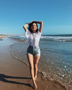 breathing all the good vibes in and the bad ones out 🌊🌊🌊 Best Photo Poses, Girl Photo Poses, Picture Poses, Girl Poses, Beach Photography Poses, Portrait Photography Poses, Grunge Photography, Cute Poses For Pictures, Travel Pictures Poses