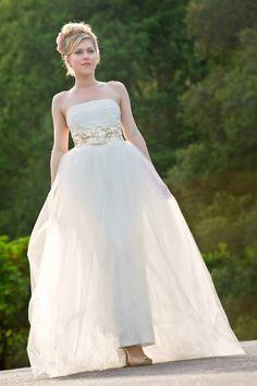 The Taffeta and Tulle Wedding Dress by Amy-Jo Tatum//Photo by Shona Nystrom of Studio 7Teen