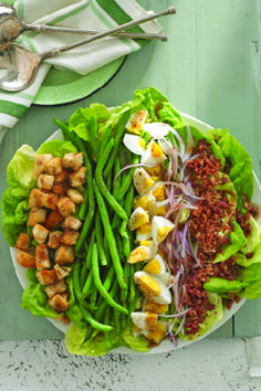 Bistro Salad – Salad goes great with a sleek arrangement of veggies next to eggs and bacon, drizzled with balsamic. All can't wait to be mixed for delicious flavor in every bite. Plus, it's ready in just 20 minutes!