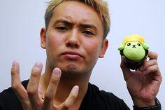 kazuchika okada Cute Japanese Boys, Kazuchika Okada, Japan Pro Wrestling, Professional Wrestling, Sexy Men, Salads, Rain, Google, Casual