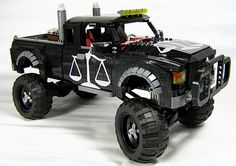 LEGO cars of the apocalypse… Lego Zombies, Lego Wheels, Lego Candy, Lego Technic, Lego Mindstorms, Lego Truck, Lego Boards, Lego Builder, Cool Lego Creations