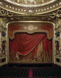Curtain, Palais Garnier PARIS, FRANCE, 2009