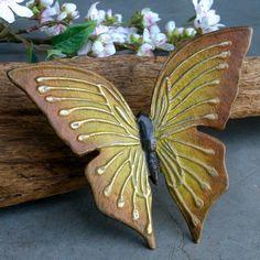 Bronzen vlinder decoratie om zelf te monteren #vlinders #vlinderdecoratie #brons Moth, Insects, How To Make, Animals, Ideas, Pottery, Figurine, Animales, Animaux