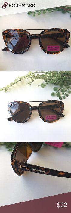 9630ac98047 NWT Betsey Johnson cateye sunglasses tortoise These NWT Betsey Johnson  sunglasses feature a subtle sexy cateye