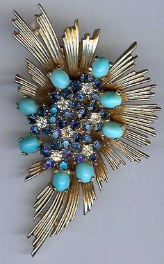 MARCEL BOUCHER VINTAGE BLUE RHINESTONE TURQUOISE BLUE GLASS CABOCHON FUR CLIP