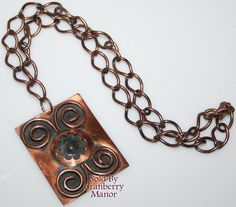 Vintage Copper Jewelry - Floral Medallion Pendant Necklace - FREE Shipping-SPECIAL TVV PRICING!- J2275Description ~ this fabulous copper piece is done w/ex...