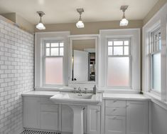 Frosted lower windows to avoid blinds n bath. Phinney residence master bath - craftsman - bathroom - seattle - by Goforth Gill Architects Bathroom Window Glass, Bathroom Windows, White Bathroom, Kitchen Windows, Modern Bathroom, Master Bathroom, Bathroom Window Privacy, Bath Window, French Bathroom
