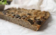 Ten chlebek może pomóc Ci odzyskać zdrowie. W 100% zdrowy i wypieczony z naturalnych składników. Idealny na kanapki Kasia Gurbacka Dietetyk, Promotor Zdrowego Odżywiania Autorka Diety Venus Chleb to najczęściej pierwszy posiłek jakim rozpoczynamy dzień. Warto aby każdy dzień rozpocząć tym LEPSZYM CHLEBEM… Któż z nas nie lubi pachnącego chleba, chrupiących bułeczek czy chałki…a jeśli …