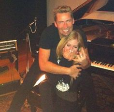 Avril Lavigne Engaged to Nickelback Frontman Chad Kroeger