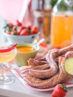 Helpot Churrot & kaksi ihanaa dippiä | Annin Uunissa Dessert Dips, Desserts, Most Delicious Recipe, Bon Appetit, Sweet Recipes, Sweet Tooth, Bakery, Sweet Treats, Food Porn