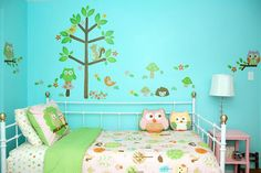 Children need a comfortable, functional bedroom just like adults do, but there are some special tricks for creating the best kid's bedroom.