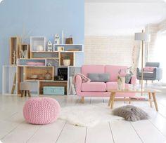 Décoration scandinave :Du blanc, des couleurs pastels, un tapis et un coussin en fourrure (synthétique j'espère !)