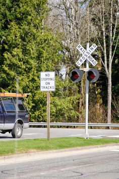 Mar 22, 2014 - A multiple vehicle accident at the Snoqualmie Parkway railway crossing (roadway vehicles only - no trains) did not result in any serious injuries. However, it did result in the loss of a railway signal in the center median when a deflected vehicle struck the mast and broke it off at the base.