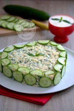Summer salad - Salat - - Pratik Hızlı ve Kolay Yemek Tarifleri Iftar, Food Garnishes, Tasty, Yummy Food, Food Decoration, Turkish Recipes, Russian Recipes, Eating Plans, Summer Salads