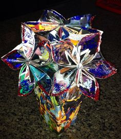 Comic Book Bouquet Comic Wedding, Bouquet, Comic Books, Gift Wrapping, Wedding Ideas, Patterns, Comics, Flowers, Gifts
