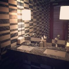 Visit the @lindsaytodddesign Insta-stream and you'll see she has a great designing eye that includes a wonderful sensibility for #tiled spaces and places. An example? Voila: this scene she shared from the gorgeous @viceroyanguilla by #kellywearstler where she focuses on the #sexytile in this #bathroomdesign. So #instaglam & inspirational! / #tiletuesday #grey #marble #interiordesign #bathroom #powderroom #tile #modern #chic  #walltile #interior #interiors #interiordesign #interiordesigner…