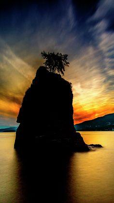 Vancouver sunset at Swiwash Rock  #Vancouver #BritishColumbia #StanleyPark #sunset