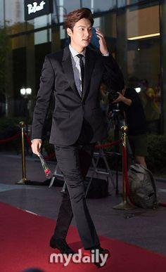awesome 2015.09.10 #LeeMinHo at 2015 Seoul International Drama Awards Red Carpet