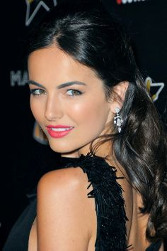 This is beginning to look like a camilla belle fan extravaganza, but her make up artist is perfection Little Girl Hairstyles, Easy Hairstyles, Beauty Full Girl, Beauty Women, Beautiful Eyes, Gorgeous Women, Brunette Beauty, Hair Beauty, Camila Belle