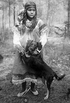 Postcard Penobscot Indian with her Dog, Old Town, Maine. Postcard Penobscot Indian with her Dog, Old Town, Maine. Native American Children, Native American Wisdom, Native American Pictures, Native American Artwork, Native American Beauty, American Indian Art, Native American Tribes, Native American History, American Indians