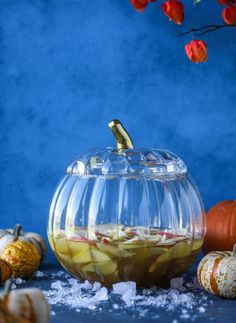 This pumpkin sangria is perfect for the fall and holiday season! A homemade pumpkin pie syrup gives the drink excellent flavor along with bubbles and apple cider and of course, boozy fruit. It's a favorite for Halloween or Thanksgiving! Pumpkin Sangria Recipe, Sangria Recipes, Punch Recipes, Pumpkin Beer, Homemade Pumpkin Pie, Pumpkin Spice, All You Need Is, Halloween Punch, Halloween 2020