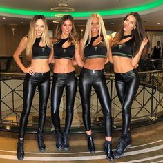 Sexy Latex, Niñas Monster Energy, Sexy Outfits, Leather And Lace, Leather Pants, Leather Dresses, Black Leather, Pit Girls, Promo Girls