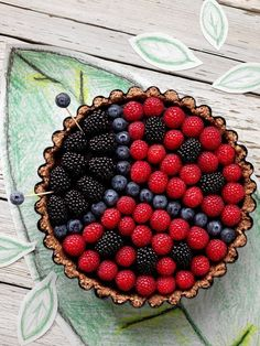 Perfect for a ladybug birthday party, or any spring or summer celebration. Made with blackberries, blueberries, and raspberries. # Food and Drink art fun Lady Bug Gluten Free Chocolate Tart Dessert Sans Gluten, Gluten Free Desserts, Tart Recipes, Dessert Recipes, Fruit Recipes, Fruit Snacks, Health Recipes, Gluten Free Chocolate, Cute Food