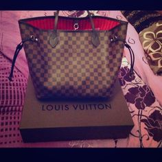Louis vuitton damier ebene neverfull mm! Picture of the Neverfull previously listed. Authentic lv with receipt, dustbag, box. I would trade for another lv (portobello, delightful, artsy,sully) or gucci soho only and possibly some others.. Not neverfull or speedy so pls dont ask.. Lower via ️️ price firm here because of posh's high percentage. The flaw is listed in the last picture but other than that it is in great condition Louis Vuitton Bags