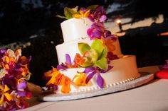 Tropical Wedding Cake | White Orchid Wedding - Hawaii Wedding Planners