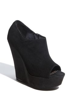 idk when I became such a shoe whore all I know is 2 pairs of these will be delivered in two days and im way too excited