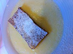 Topfenstrudel in Vanillesauce Bread, Ethnic Recipes, Food, Meal, Essen, Hoods, Breads, Meals, Sandwich Loaf