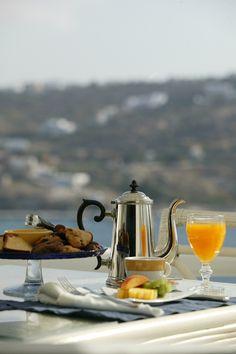 Breakfast time in Kivotos Mykonos Hotel