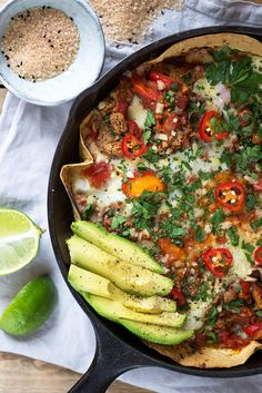 Baked Huevos Rancheros with British Lion Eggs, Refried Black Beans and Avocado Healthy Dinner Recipes, Mexican Food Recipes, Soup Recipes, Vegetarian Recipes, Chicken Recipes, Veggie Recipes, Salad Recipes, Brunch Dishes, Breakfast Dishes