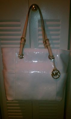 BUY THIS MK BAG FOR $150 BID $198 BUY NOW FREE SHIPPING!