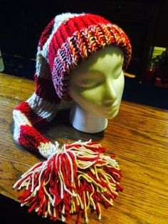 Margarita Stewart: Knit an elf hat in a few hours Nifty knitter, loom knitting So easy!