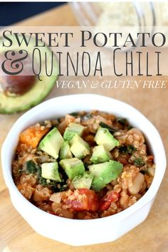 Vegan Quinoa Sweet Potato Chili on theyoopergirl.com