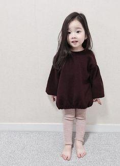 Chinta na Karo. Fashion Kids, Baby Girl Fashion, Toddler Fashion, Toddler Outfits, Girl Outfits, Cute Asian Babies, Korean Babies, Cute Babies, Cute Little Baby