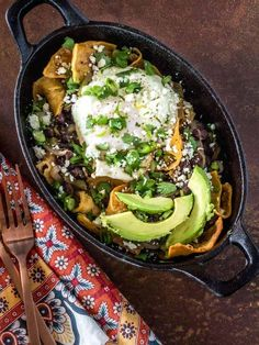 Mexican Breakfast Recipes, Vegetarian Breakfast, Brunch Recipes, Mexican Food Recipes, Vegetarian Recipes, Ethnic Recipes, Yummy Recipes, Chilaquiles Recipe, Spicy Tomato Sauce
