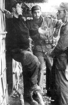 Comandante Ernesto Che Guevara - the Argentine-Cuban guerrilla fighter, revolutionary leader,. Che Guevara Quotes, Che Guevara Images, Robert Frank Photography, Henri Cartier Bresson Photos, Cuban Leader, Viva Cuba, Ernesto Che Guevara, Famous Pictures, Cienfuegos
