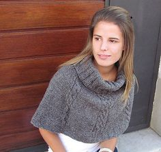 Ravelry: Worsted capelet pattern by Abuelita´s Yarns Design Capelet Knitting Pattern, Knitted Capelet, Knitting Patterns Free, Free Knitting, Free Pattern, Caplet Pattern, Ravelry, Knit Or Crochet, Crochet Shawl