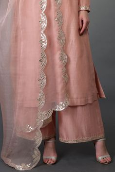 From our Indian Spring Collection, this Pressed Rose farshi palazzo suit is adorned with beautiful mirror and zari work and gota patti hand embroidery. The kurta and farshi ( wide leg palazzo pants) are crafted in chanderi and the dupatta is craf Stylish Dress Designs, Designs For Dresses, Stylish Dresses, Fashion Dresses, Stylish Outfits, Formal Dresses, Dress Indian Style, Indian Dresses, Indian Outfits