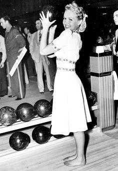 1940s Snood Inspiration | Va-Voom Vintage with Brittany
