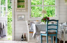 Décor ispirazione: sale da pranzo o angoli per la colazione | Cottage a colori