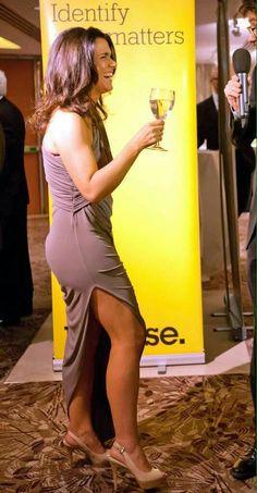 Susanna Reid Legs, Sussana Reid, Girl Celebrities, Celebs, Suzanne Reid, Gal Gabot, Tv Girls, Great Legs, Stylish Clothes