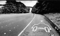 carril coche ciclistas tranquilos
